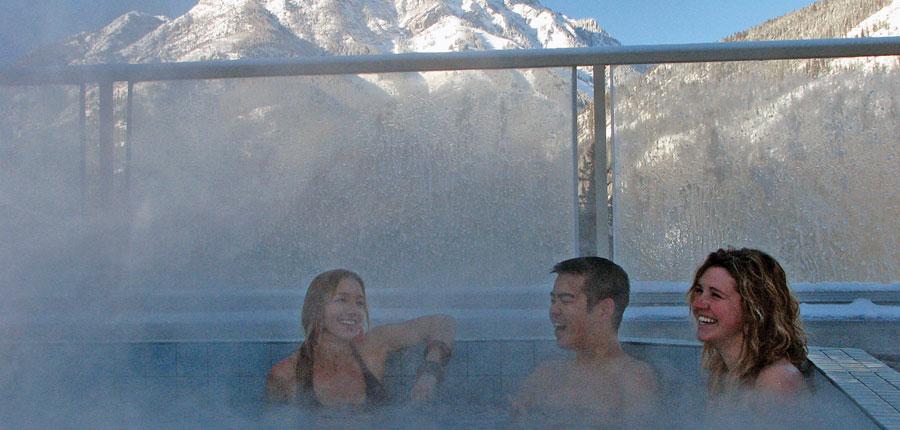 canada_big-3-ski-area_banff_inns_of_banff_hotel_hot_tub.jpg